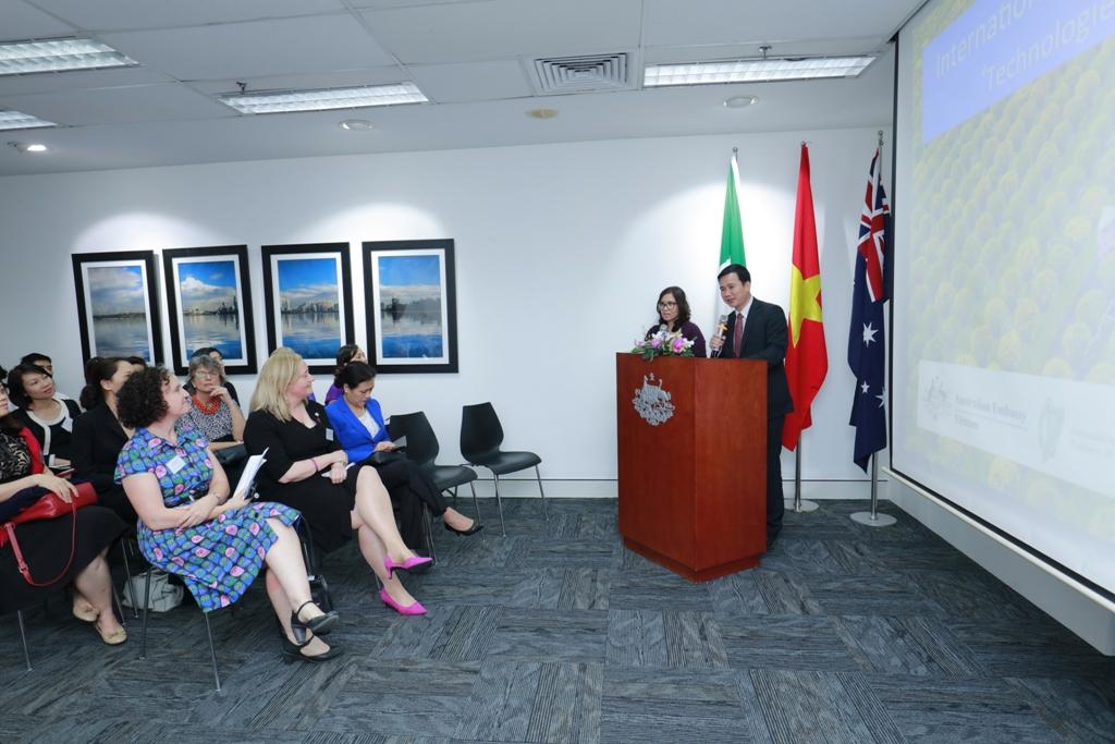 """Chính phủ Australia và Ireland hỗ trợ cuộc thi """"Công nghệ vì sự bình đẳng"""""""