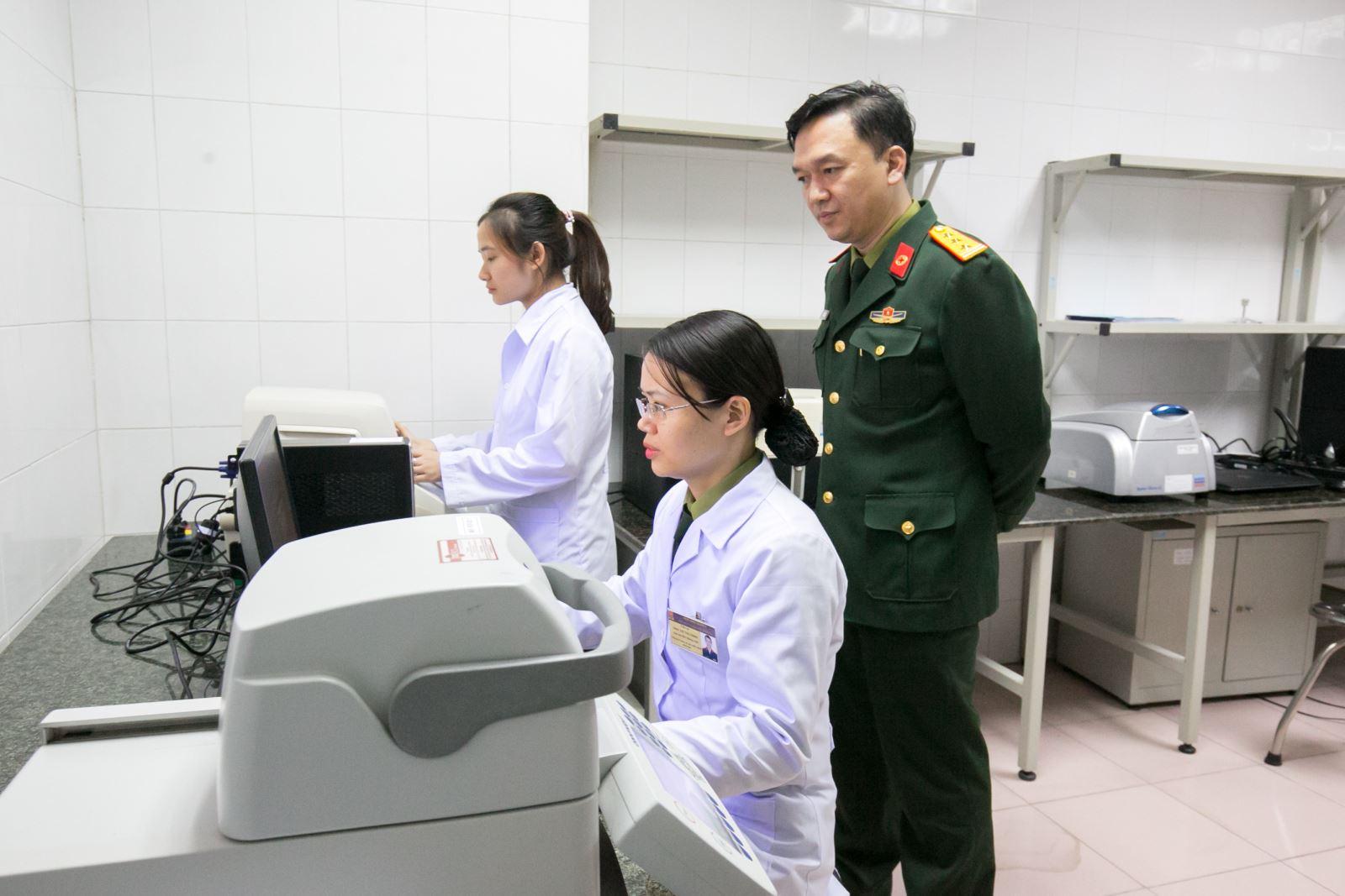 """Bộ kit xét nghiệm virus SARS-CoV-2: Thành công từ """"nhiều mũi giáp công"""""""