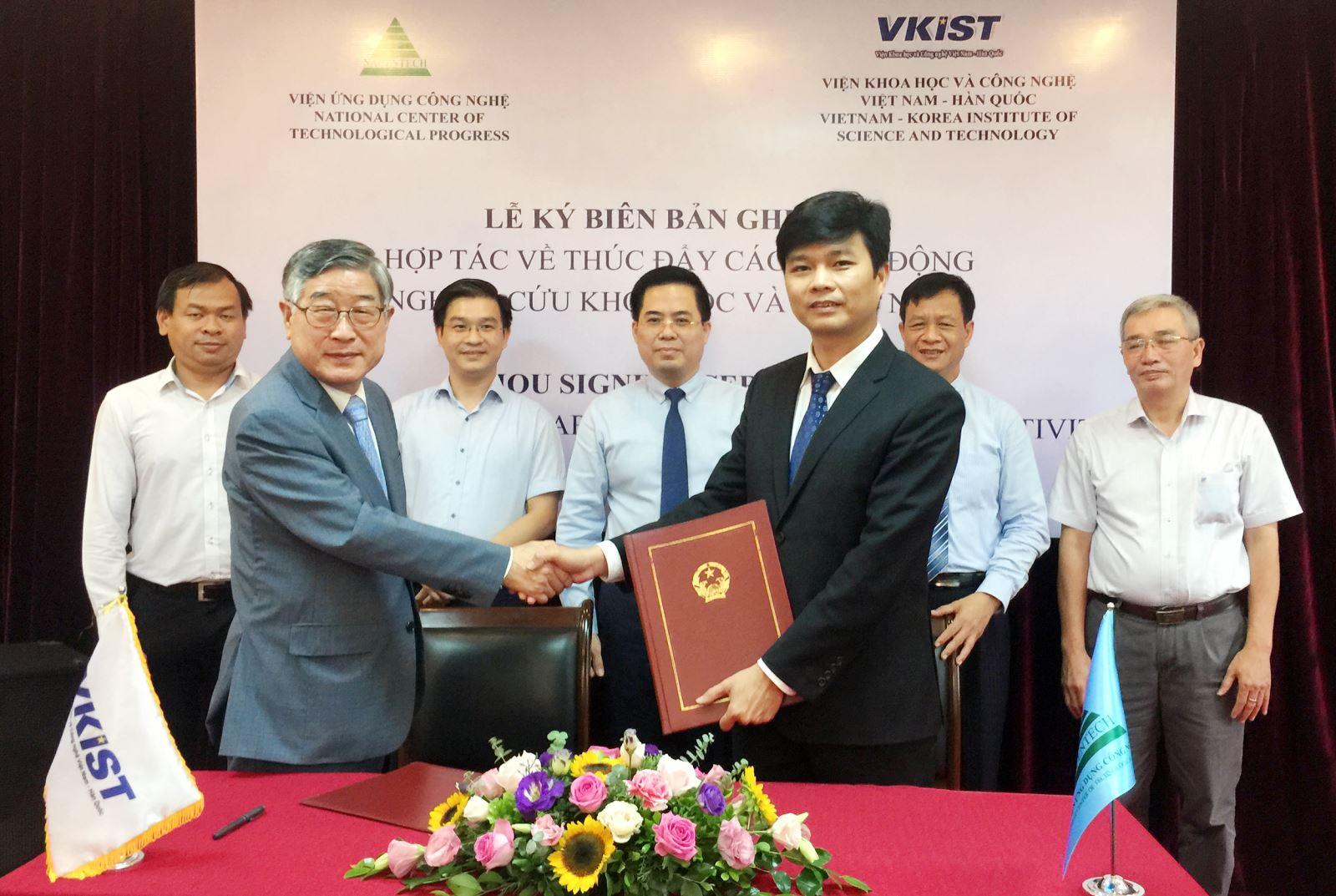 VKIST và Viện Ứng dụng Công nghệ ký kết hợp tác thúc đẩy hoạt động nghiên cứu KH&CN
